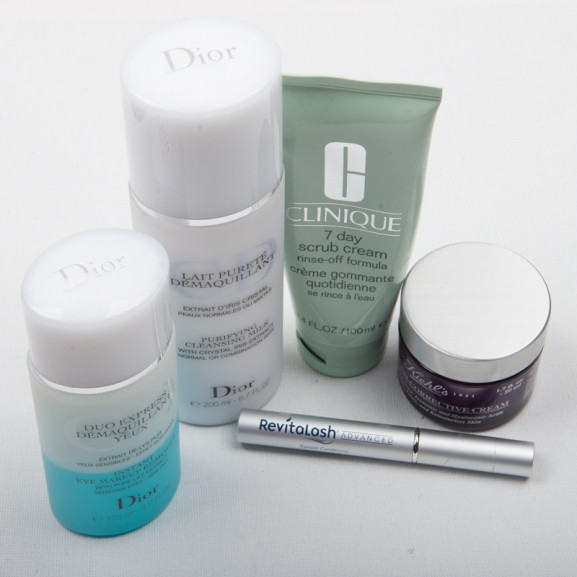 Huidverzorging-avond-Dior-reiniger-7-day-scrub-cream-rine-off-Kieehls-cream-revitalash