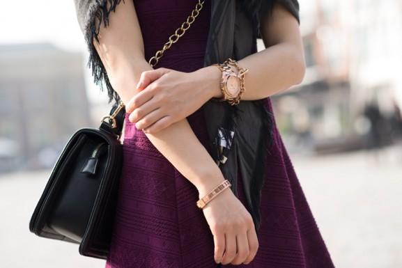 Bordeaxu-rode-jurkje-rose-gouden-Michael-Kors-577x385 Outfit: Bordeaux rode jurk