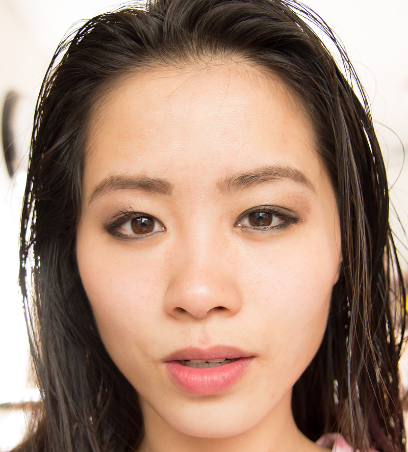 Olaz-review-testen-op-gezicht-geen-CC-cream-hierop