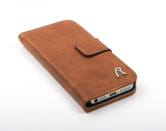 Replay-telefoonhoesje-bruin-leer-iphone5-577x457 Replay iPhone 5 Booklet Case