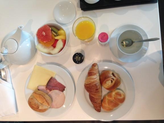 image-onbijt-Kameha-hotel-bonn-vijf-sterren-577x432 Diary pic's: Fotoshoot, Open dagen & Pasen