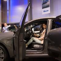 porsche-centrum-binnenkant-200x200 Event: Onthulling Porsche Macan