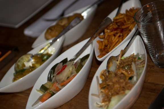 restaurant-blauw-indonesish-eten-577x384 Diary pic's: Fotoshoot, Open dagen & Pasen
