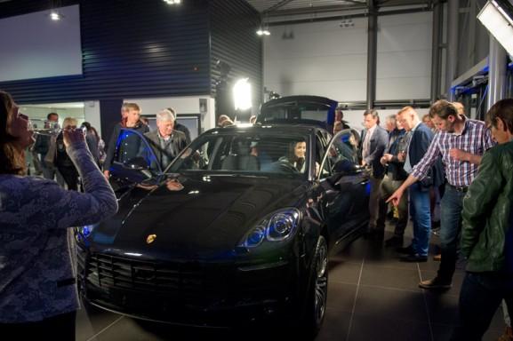 zwarte-porsche-macan-voorkant-makan-577x384 Event: Onthulling Porsche Macan