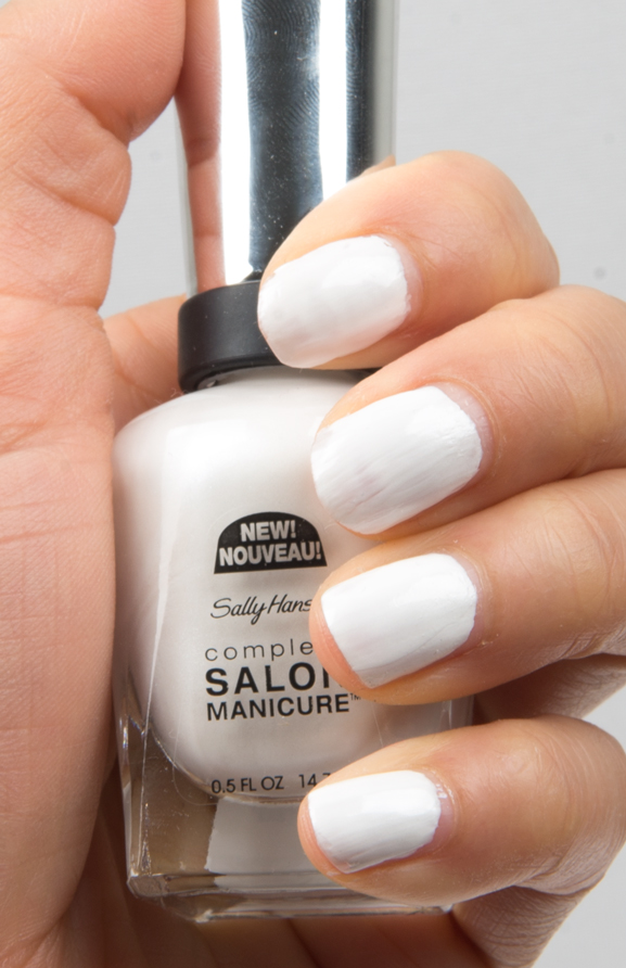 171-Bleach-Babe-Sally-Hansen-Salon-Manicure