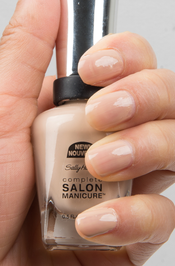 Shore-Enough-215-Sally-Hansen-complete-salon-Manicure