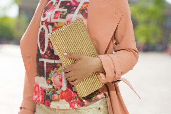 clutch-goud-hm-get-it-over-577x385 Outfit: Peachy city look