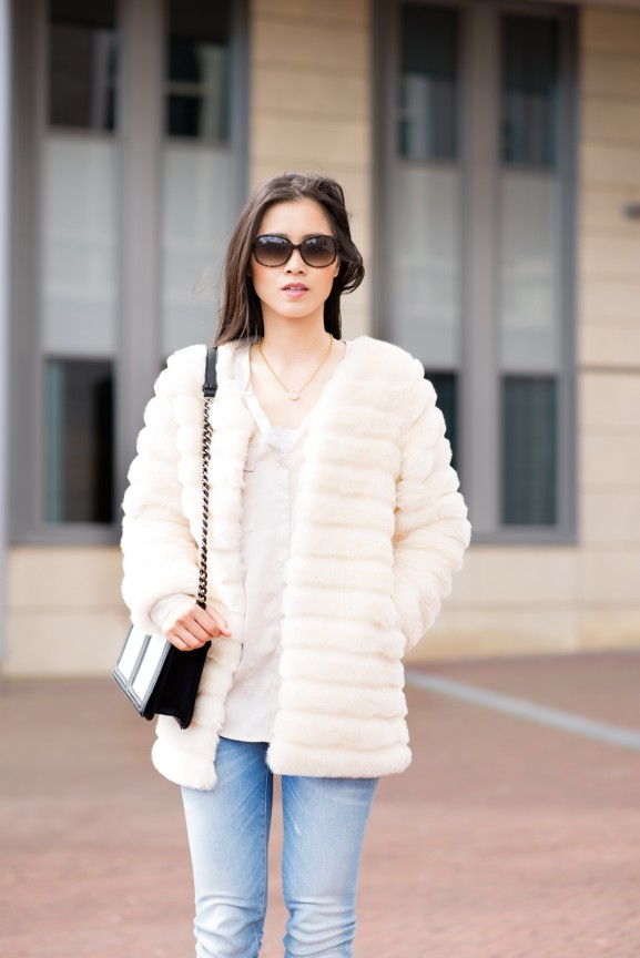 my-huong-outfit-jeans-gstar-clutch-hm-faux-furry-coat-sheinside-chicwish