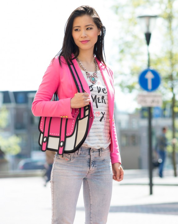 ootd-pink-577x727  Outfit: Pink cartoon bag with Nikes