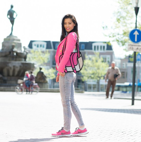 outfit-look-jeans-diesel-schoolbag-577x582  Outfit: Pink cartoon bag with Nikes