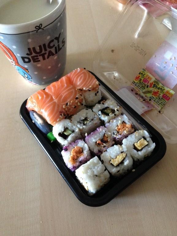 Sushi-bij-Ah-Juicy-Details-Blond-577x769 Diary Pic's: Pakketjes uitpakken, Hemelvaartsdag, Fitness & Groningen