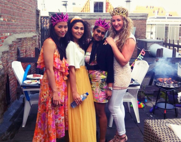 verjaardag-Lara-samen-met-Tineke-Snijder-en-Jeina-Selvendran-577x454 Diary pic's: United Colors of Benneton beauty lancering, Kermis & eerste keer Golfen