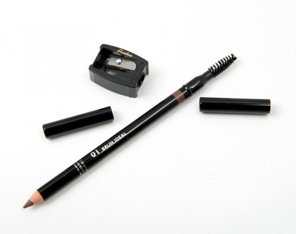 Guerlain-Le-Crayon-Courcile-The-eyebrow-pencil-structure-and-definition-577x456 Guerlain Kiss Kiss make-up herfstcollectie 2014