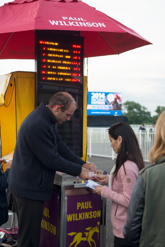 Windsor-Horse-race-Kaart-ticket-horse-game-577x865 Diary:  naar Engeland