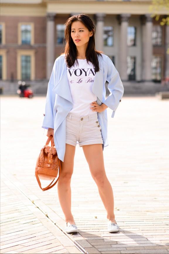 Blue-jacket-voyar-la-Rue-pastel-blauw-jasje