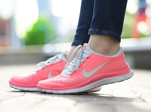 Nike-peachy-coral-pink-koraal-roze-3.0-free-run-577x426 Outfit: Coral Casual