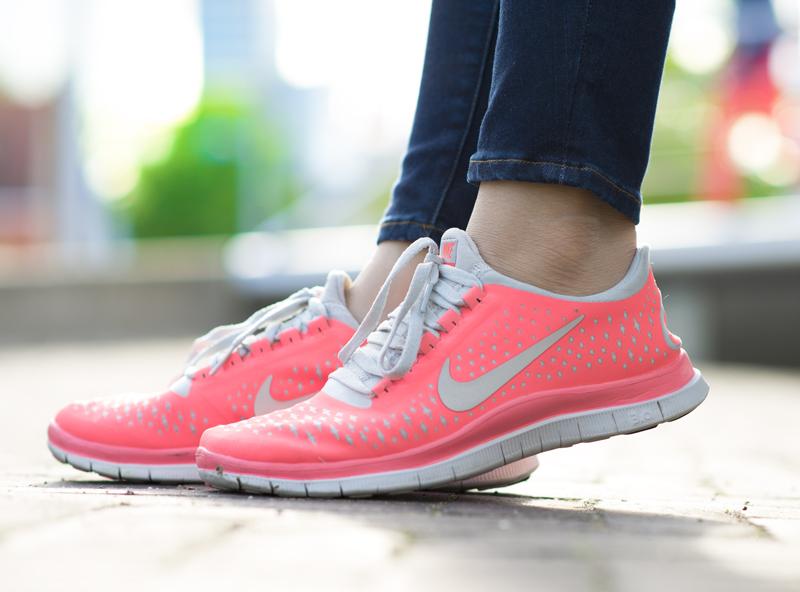 Nike-peachy-coral-pink-koraal-roze-3.0-free-run