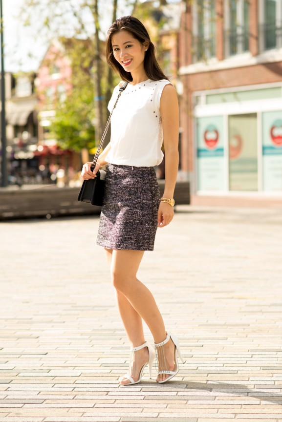 Wit-top-en--tweed-skirt-black-white