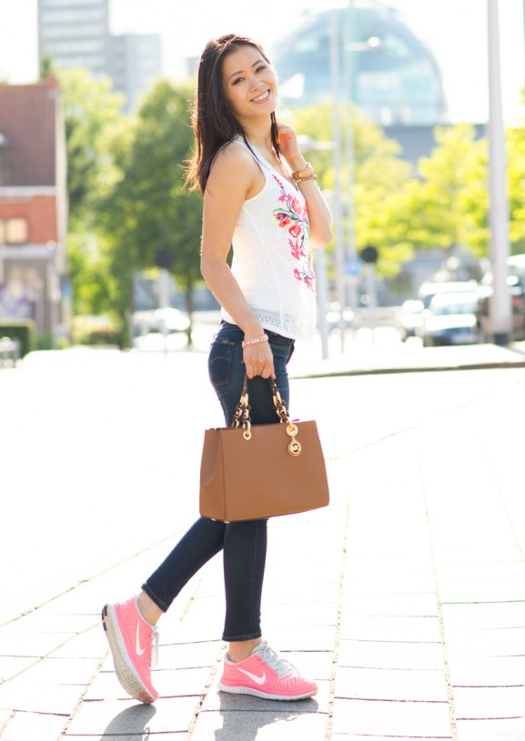 my-huong-Michael-Kors-Cynthia-bruin-Brown-Chestnut-Nike-free-run-3.0-Koraal-roze-Coral-pink