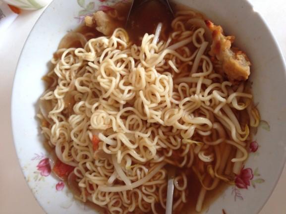 Noodles-soup-577x432 Diary pic's: bowlen, pakketjes & feestjes