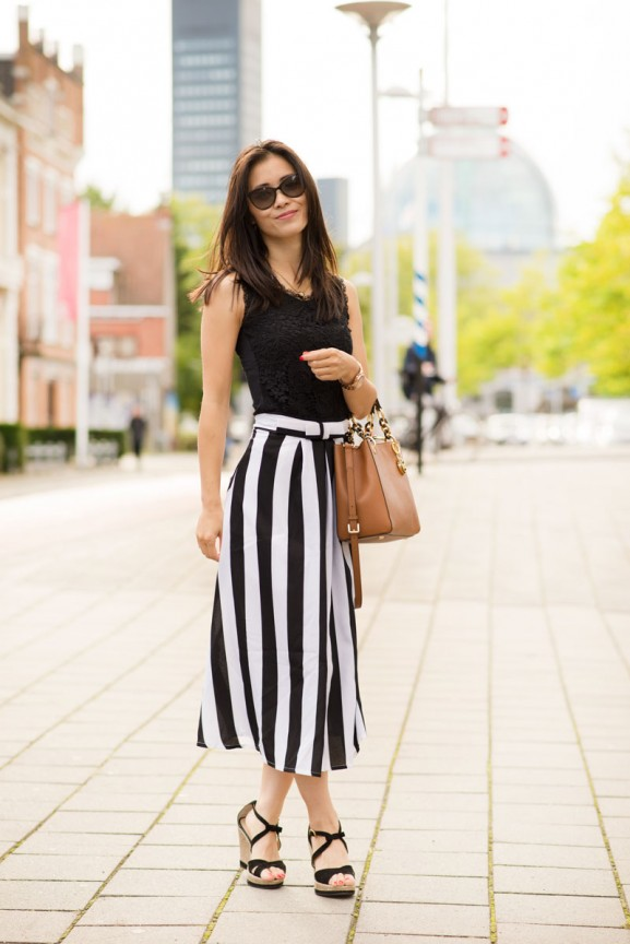 Striped-skirt-my-huong-black-white