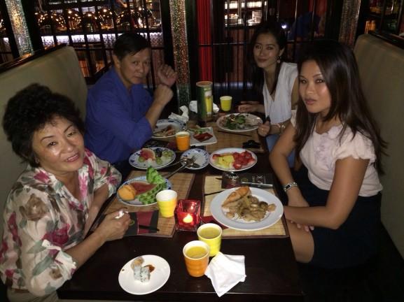 Uit eten met zus en ouders