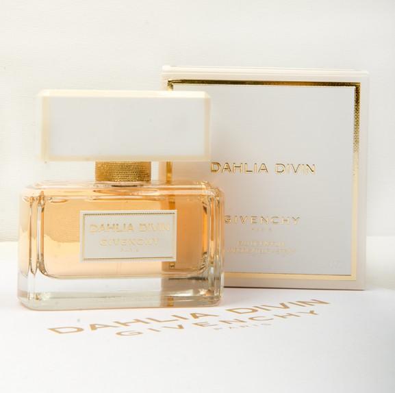Parfum-Dahlia-Divin-Givenchy