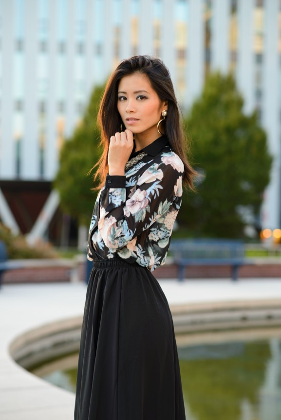 my-huong-outfit-flowers-black-chicwish