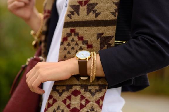 webstash-horloge-wereldkaart-aztec-print-sjaal-primark-577x385 Outfit: Aztec sjaal en Celine Paris