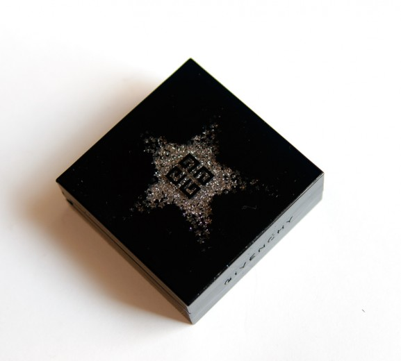 Givenchy-Folie-de-Noirs-Kerstcollectie-Le-Prismissime-noirs-en-Folie-Palette-Yeux-9-Couleurs-577x520 Givenchy Folie de Noirs Kerstcollectie 2014