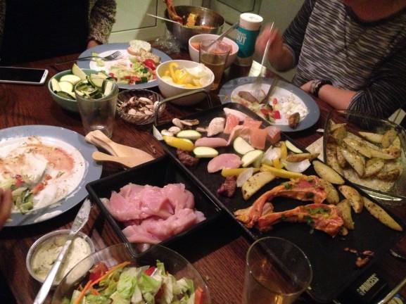 Gourmetten met de girls Linda annamarije Samantha Kai