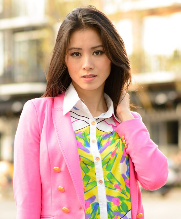 geographic-blouse-pink-blazer