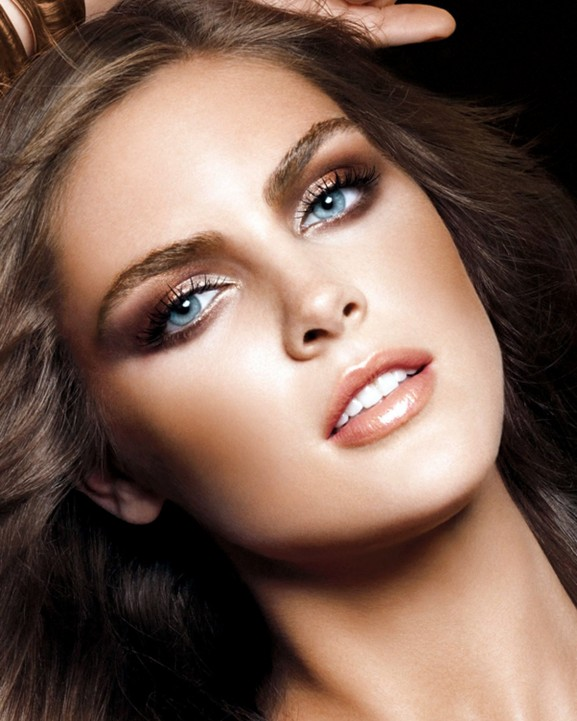 naturel-make-up-look-christmas-2014-577x721 Inspiratie voor een feestelijke make-up look