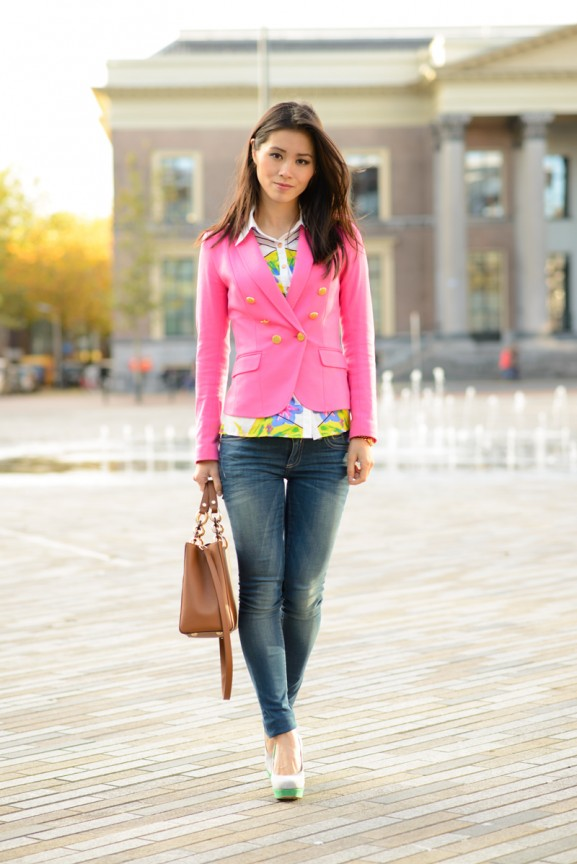 pink-blazer-roze-jasje-jeans-outfit-blogger-577x864 Outfit: Pink blazer & Geopgrahic blouse