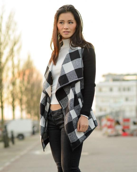 Ruiten-vestje-black-_-577x727 Outfit: Black white Square