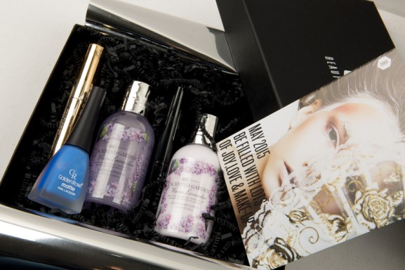 beauty-box-december-2014-woman-beauty-love-goodies-577x384 2x Win! Beautybox december 2014
