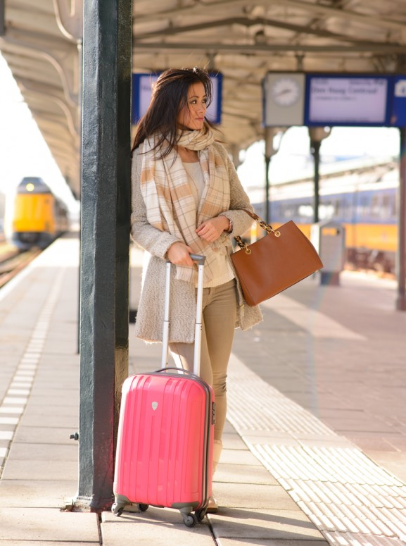 My-Huong-Pink-koffer-luggage-Michael-Kors-Cynthia-577x775 Enrico Benetti trolley van bagageonline.nl