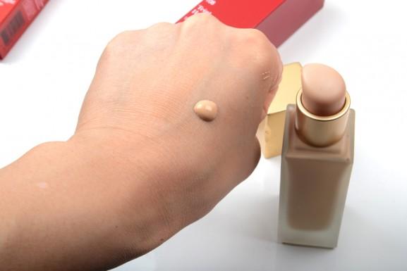 Clarins-Teint-577x385 Clarins Instant Light Lip balm perfector & Teint Haute Tenue 2015