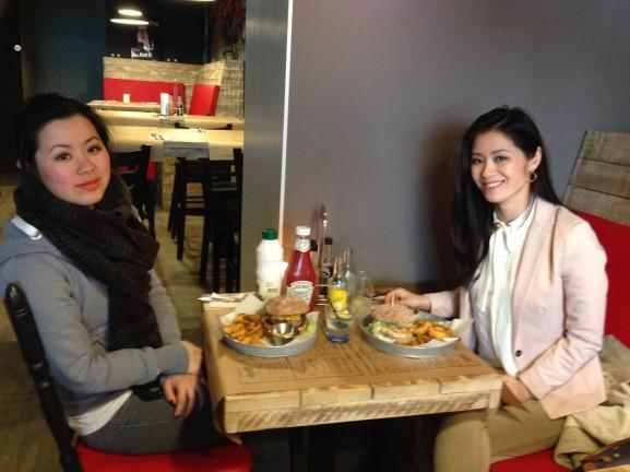 Chichi-Hamburger-Groningen-met-Kai-577x432 Diary april 2015: pasen, lekker eten, vrienden & dagjes weg