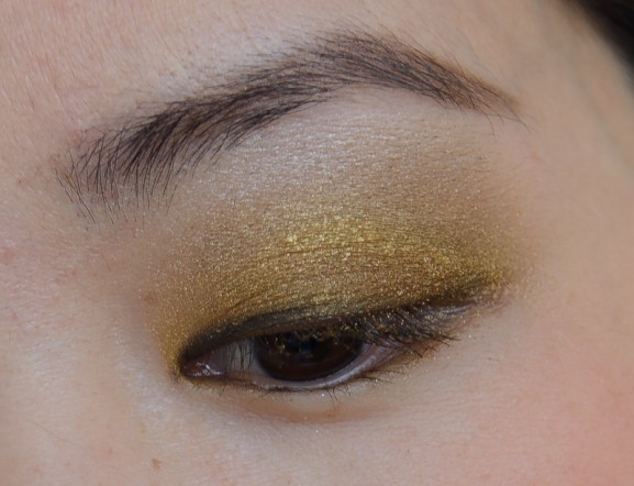 Going-for-gold-eyeshadow-mua-palette
