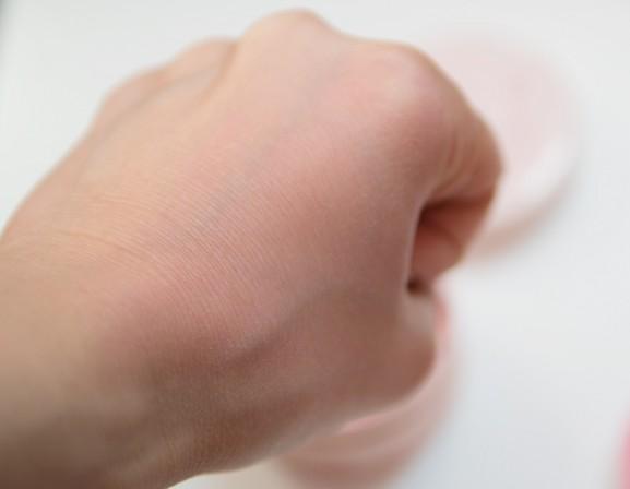 Hand-swatch-meteorites-guerlain