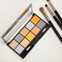 Mua-Palette-Going-for-Gold-Eyeshadow-palette