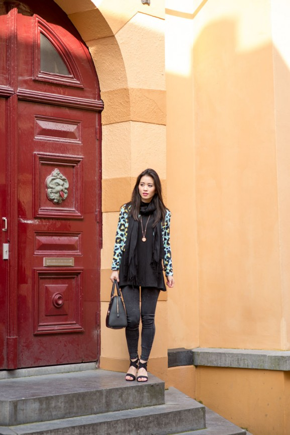 romein-my-huong--577x864 Outfit: Black with leopard blue