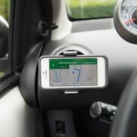 Handig-Telefoon-accessoires-voor-in-de-auto-iphone-5