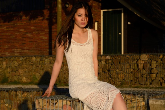 Summer-hof-van-saksen-lace-dresso-outfit-My-Huong-577x385 Outfit: White lace dress