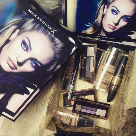 Max factor beauty pakket press
