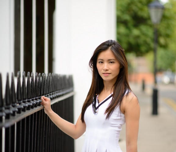 My-Huong-Playing-Fashionable-Sporty-look-in-LondonBlack-