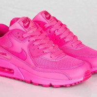Pink-Musthave-Nike-Air-Max-200x200 Musthave: Nike Air Max GS 90 Hyper Pink