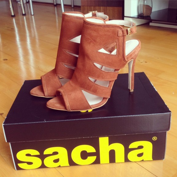 Sandalen-sacha-577x577 Diary: zomer, pakketjes, show lopen