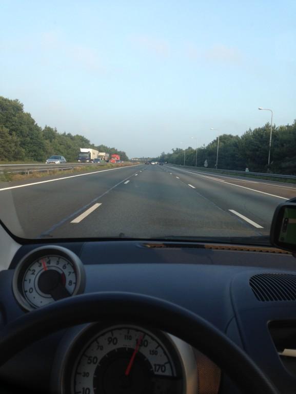 In de auto rijden naar Venlo